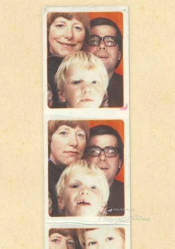 passport photo strip